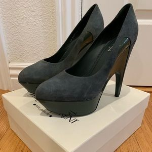 Authentic Yves Saint Laurent Imperiale size 39!